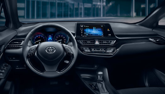 2018 Toyota C-HR interior and tech features