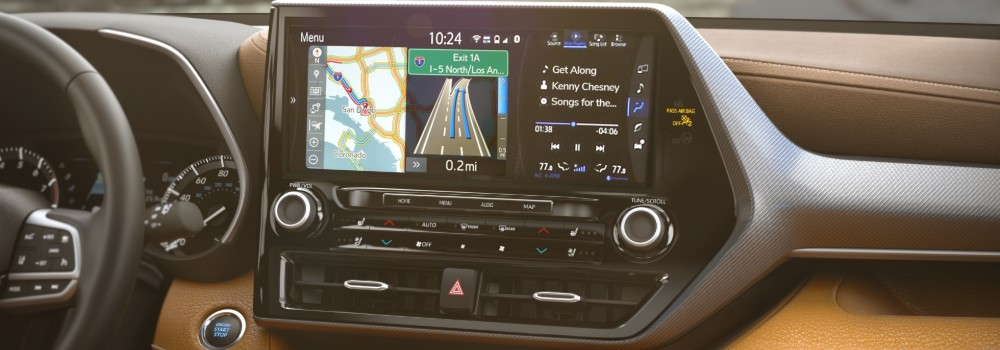 Center touchscreen of 2020 Toyota Highlander