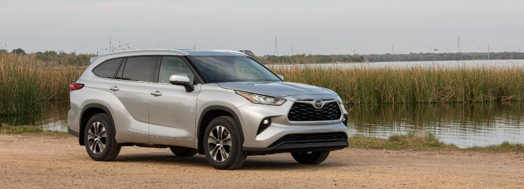 side view of a silver 2021 Toyota Highlander