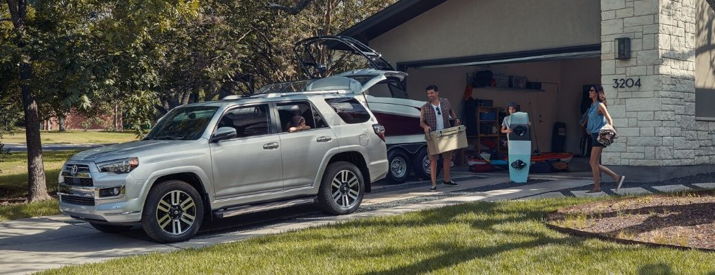 How much can the 2020 Toyota 4Runner carry?