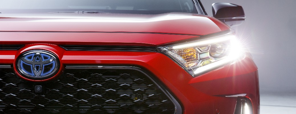 grille and headlights of the 2021 Toyota RAV4
