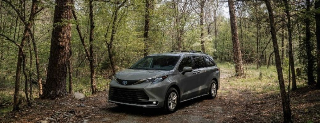 The 2022 Toyota Sienna Woodland Edition making its way through the woods