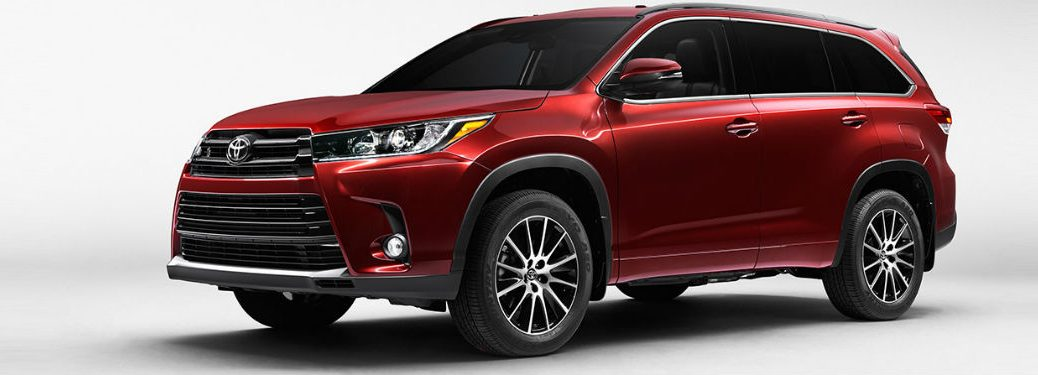 2017 Toyota Highlander exterior front fascia and drivers side