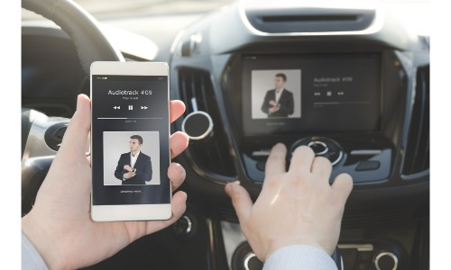 Pairing a phone with the dashboard