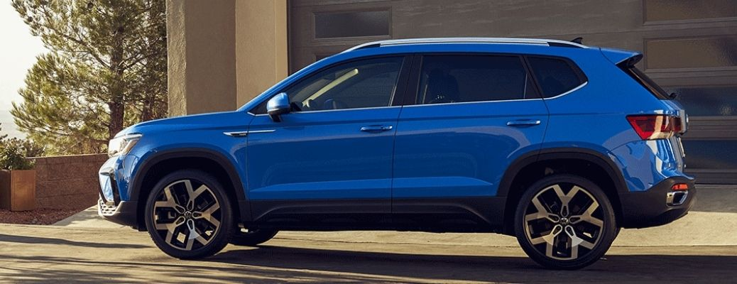 Side view of the 2022 Volkswagen Taos in blue