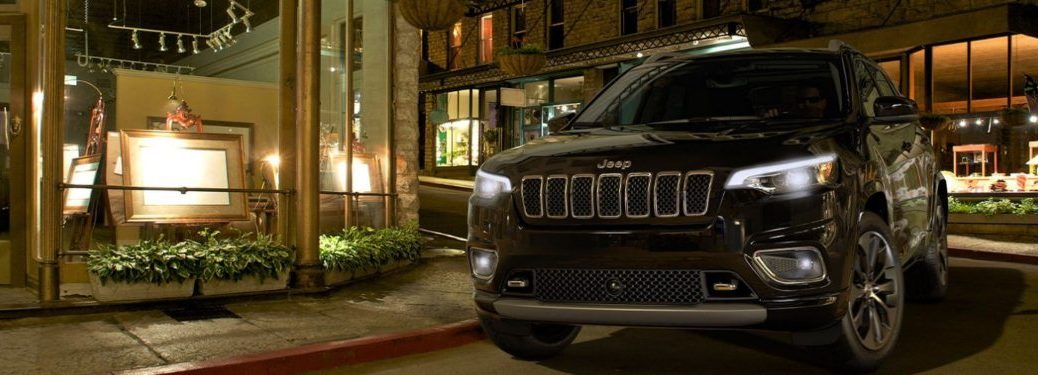 2020 Jeep Cherokee parked on a street at night