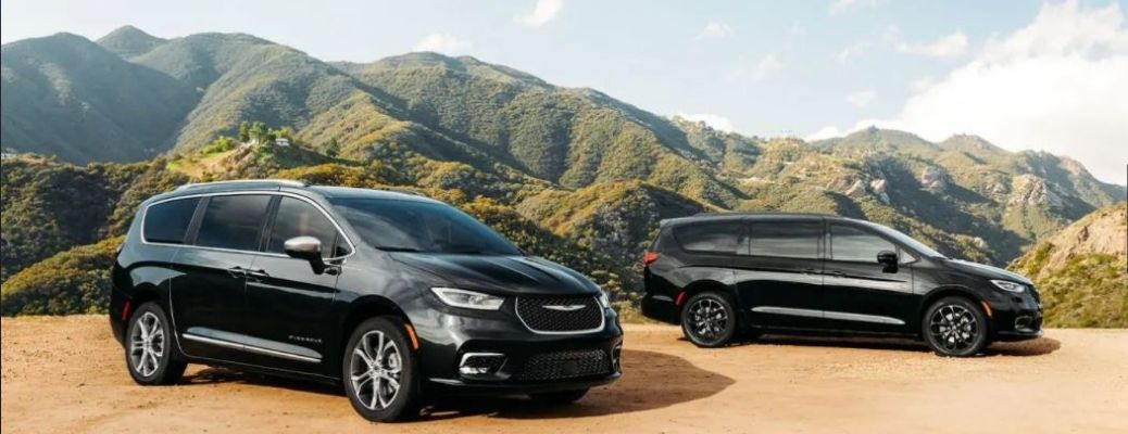 2021 Chrysler Pacificas parked together