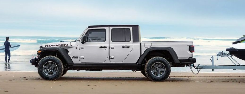 2021 Jeep Gladiator parked side view