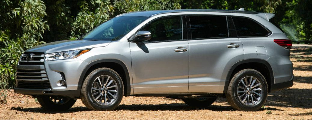 Side View of 2018 Toyota Highlander in Silver Exterior