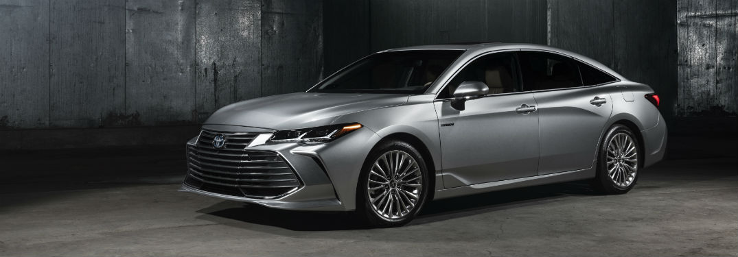 Is the 2019 Toyota Avalon Available with a Hybrid Drivetrain?