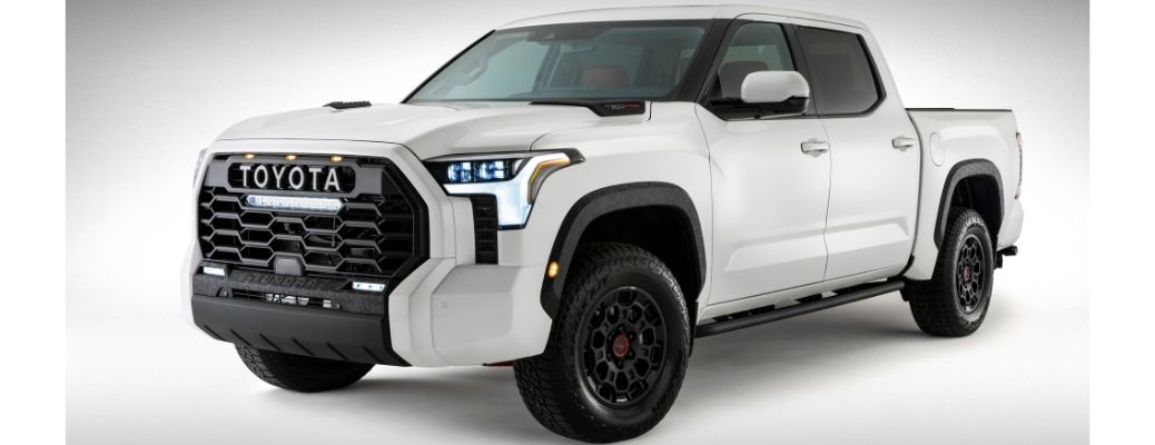 What are the comfort and convenience features of the new 2022 Toyota Tundra?
