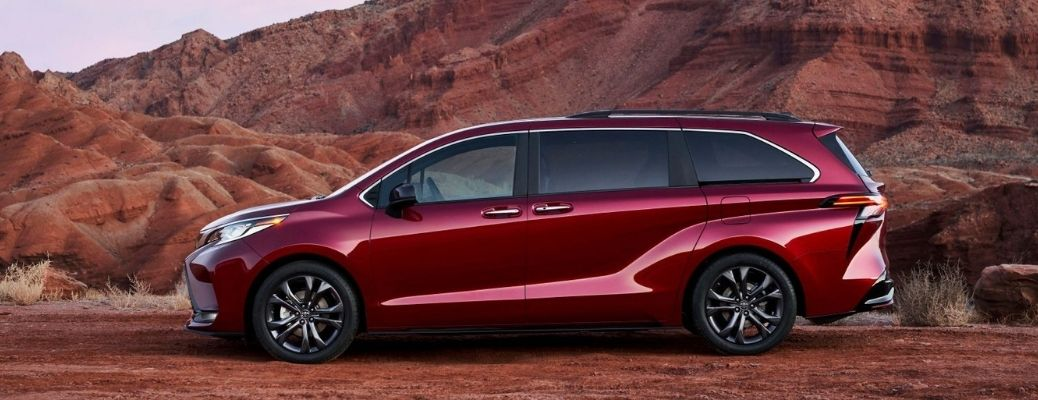 How to Use Kick Sensor in the 2022 Toyota Sienna?