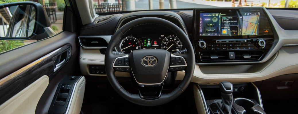2020 Toyota Highlander dashboard view from the driver's seat