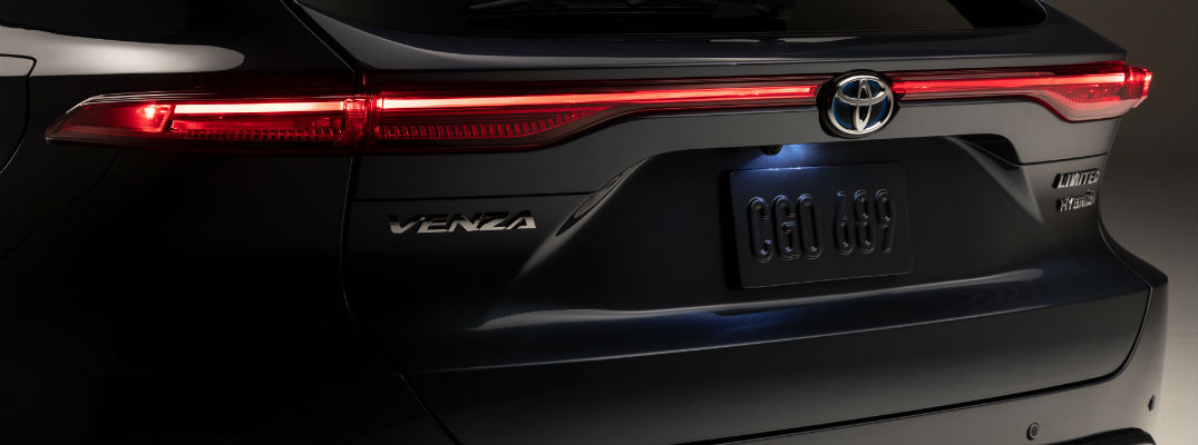 Toyota revives Venza name on an all-new hybrid platform