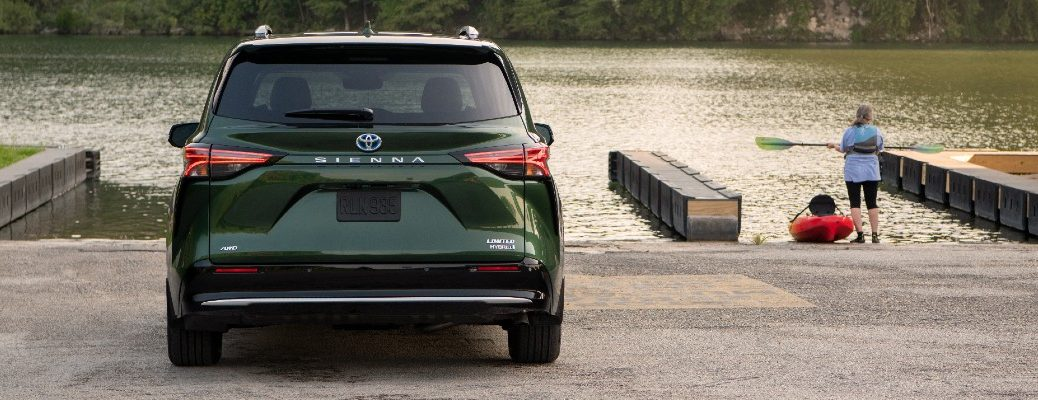A rear photo of the 2021 Toyota Sienna.