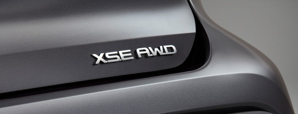 A photo of the XSE badge used on the back of the 2021 Toyota Highlander XSE.