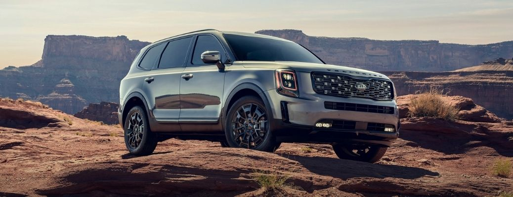 Exterior view of the front of a silver 2021 Kia Telluride