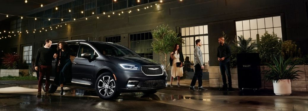 2021 Chrysler Pacifica parked at night