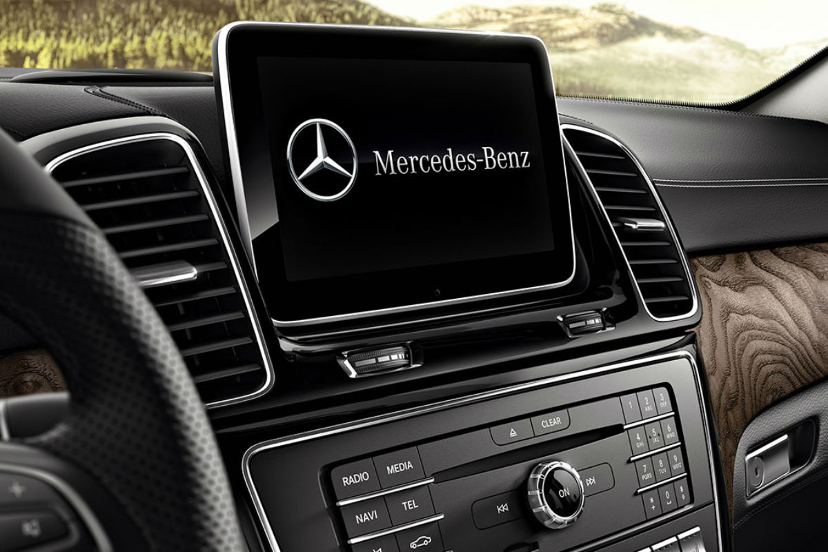 Touchscreen display of the 2019 Mercedes-Benz GLE SUV