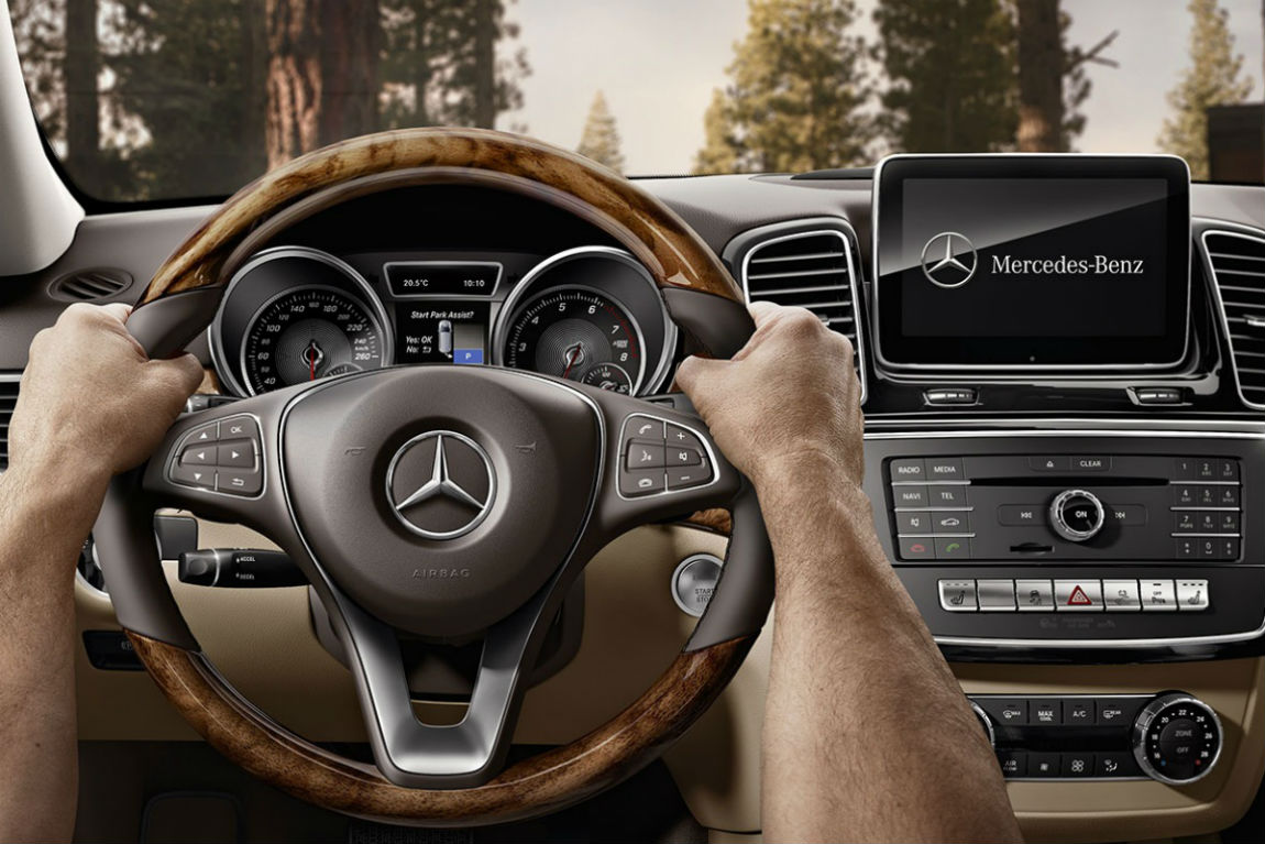 Driver's cockpit of the 2019 Mercedes-Benz GLE SUV