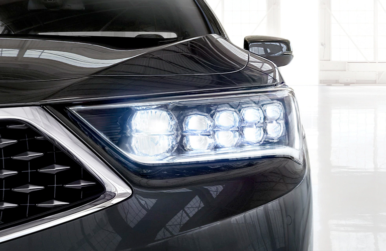 2020 Acura RLX headlight