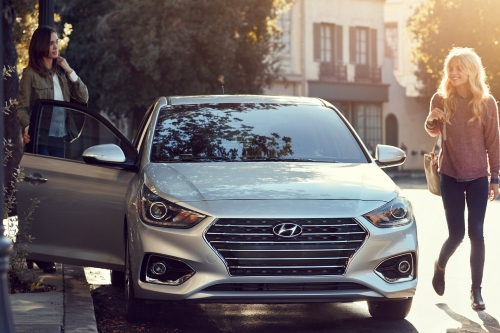 2021 Hyundai Accent front view