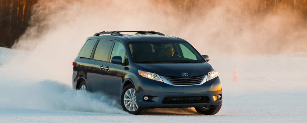 How does the Toyota Sienna handle in the snow?