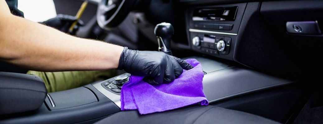 Cleaning a vehicle interior