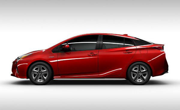 2016 Toyota Prius side view