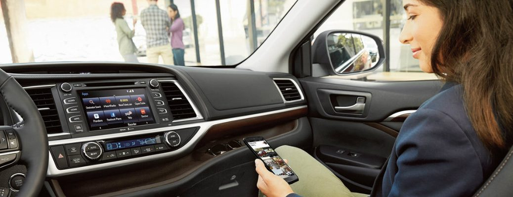 how to pair Samsung Galaxy S6 phone to 2016 Toyota Highlander Bluetooth