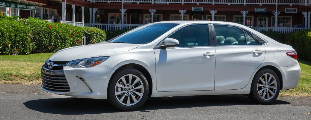 2017 Toyota Camry release date and new features
