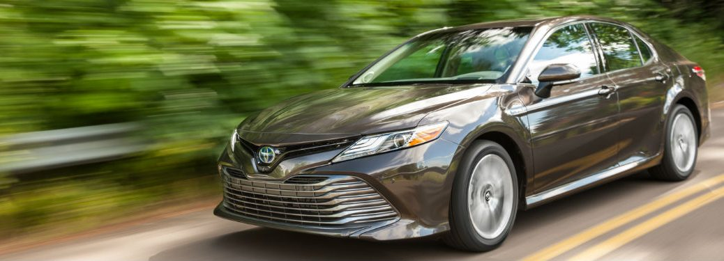 2018 Toyota Camry Hybrid model front view