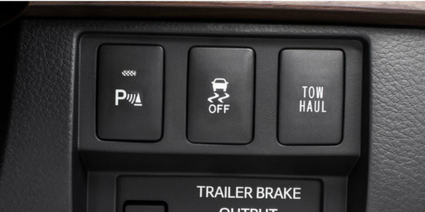 Towing Capacity and Performance of the 2018 Toyota Tundra Towing