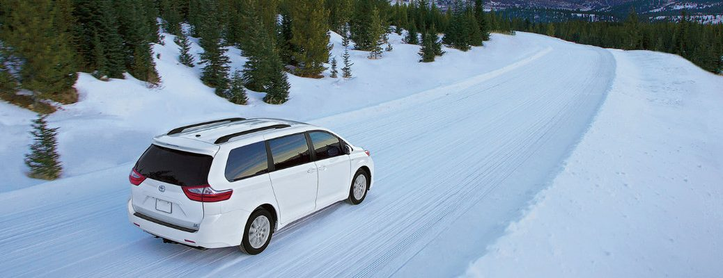does the 2018 Toyota Sienna have AWD