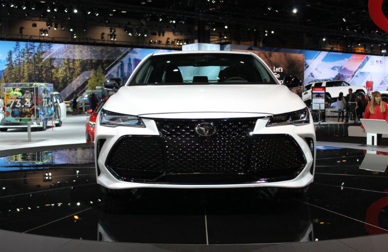 front-grille-of-white-2019-Toyota-Avalon-on-display-at-Chicago-Auto-Show