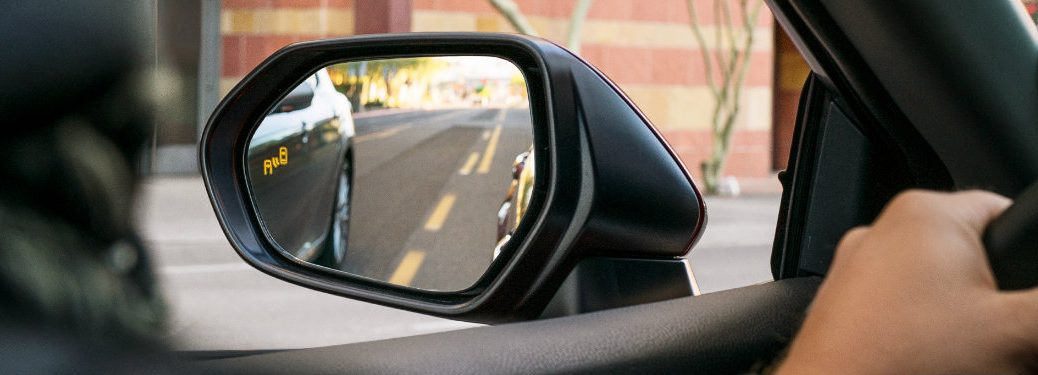 Toyota-Blind-Spot-Monitor-light-on-left-side-mirror-of-2018-Toyota-Camry