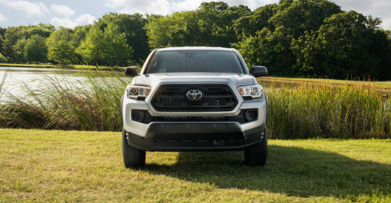 front-grille-design-of-2019-Toyota-Tacoma-SX-Package
