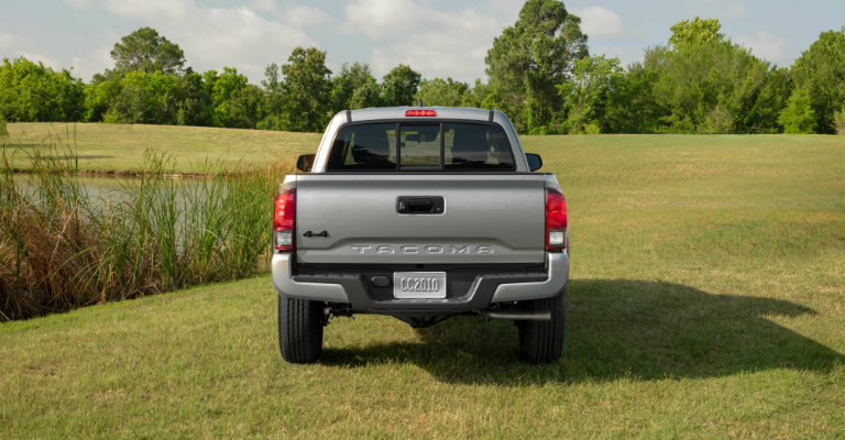 rear-end-view-of-2019-Toyota-Tacoma-SX-Package