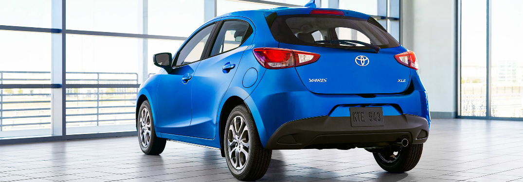 What's the fuel economy of the 2020 Toyota Yaris Hatchback?