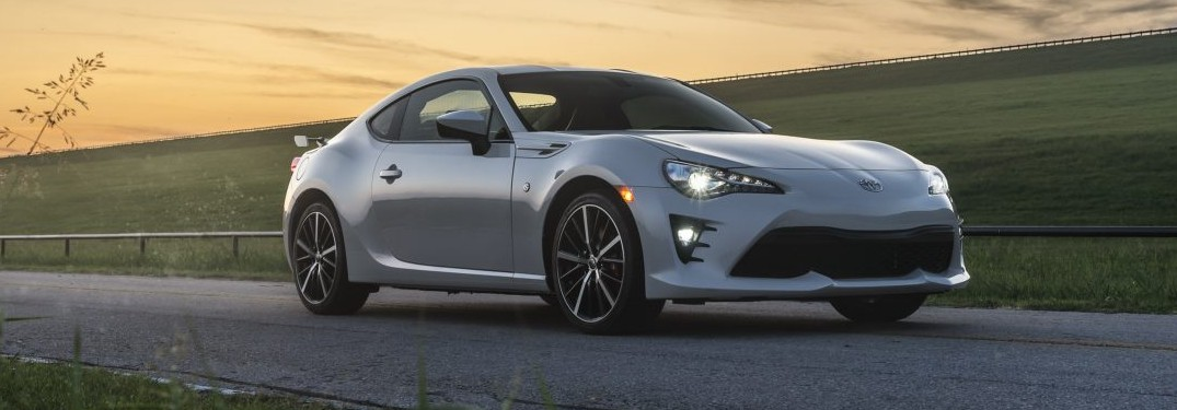 What's the top speed and 0 – 60 mph time of the 2020 Toyota 86?