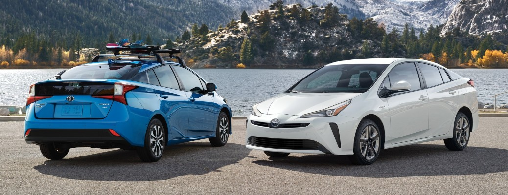 2021 Toyota Prius blue and white