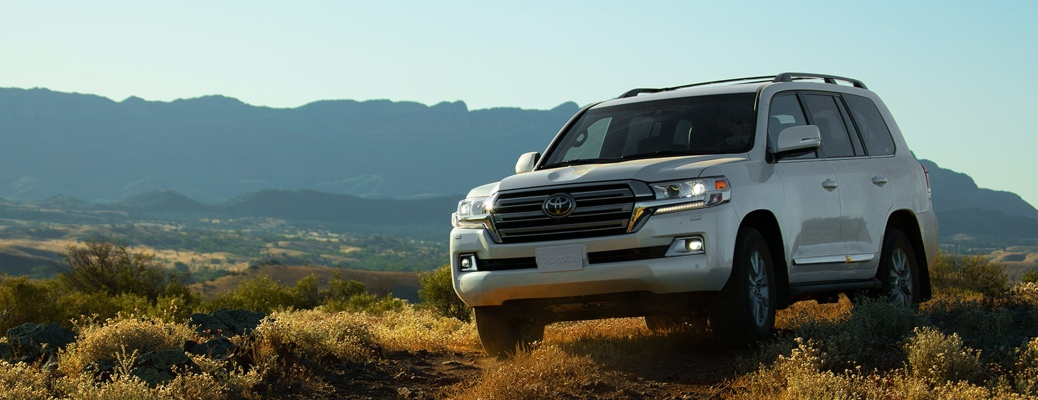 What engine does the 2021 Land Cruiser have?