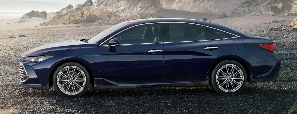 2021 Toyota Avalon blue side view