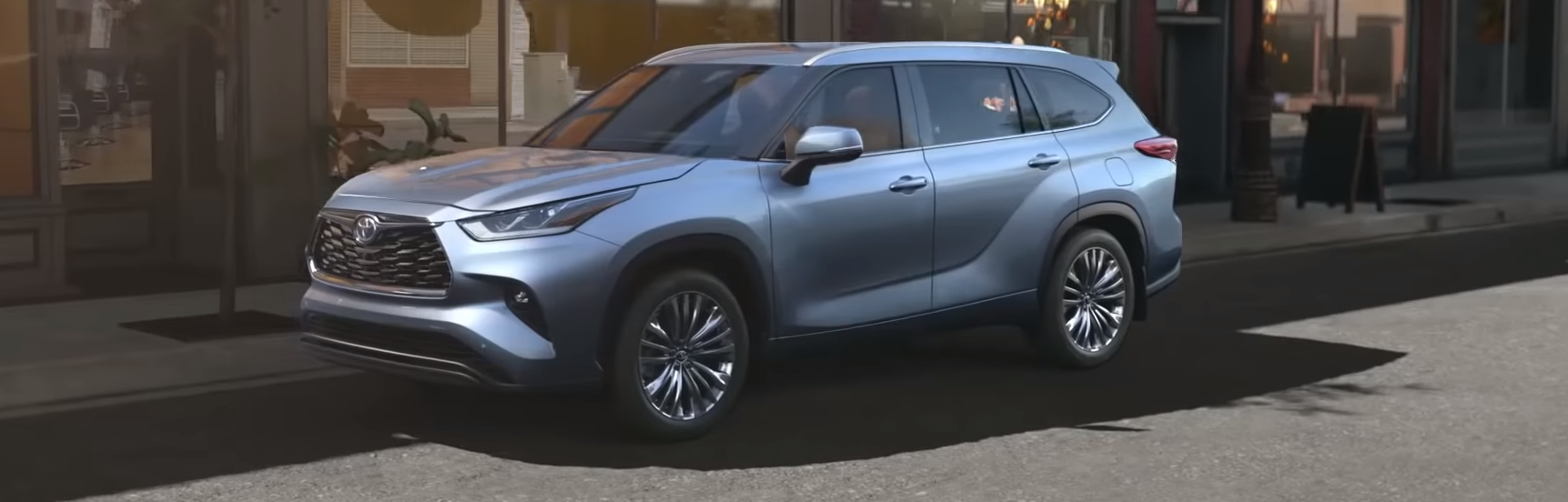 When does the 2020 Toyota Highlander Hybrid come out?