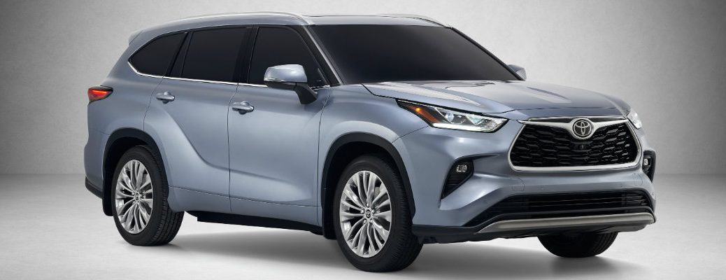 2020 Toyota Highlander in the spotlight