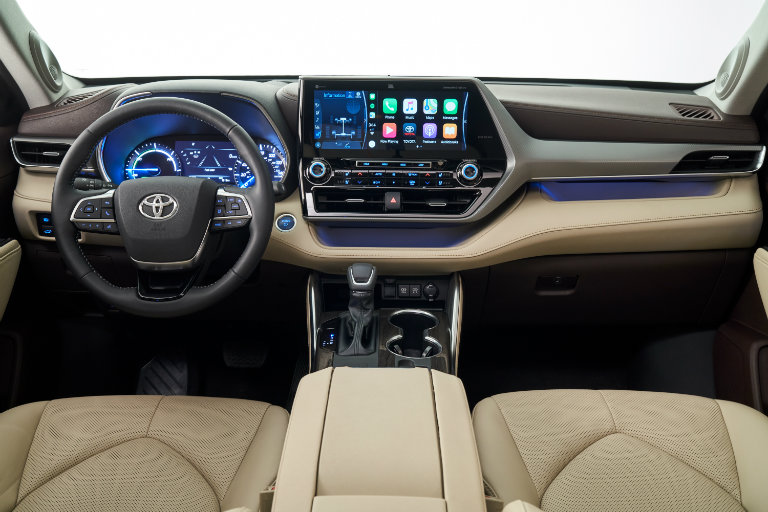 Dashboard of the 2020 Toyota Highlander