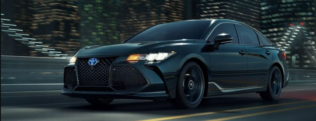 front quarter view of the 2022 Toyota Avalon Hybrid