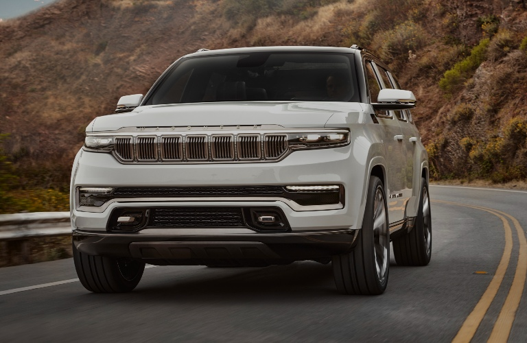 Front end of the new Jeep Wagoneer