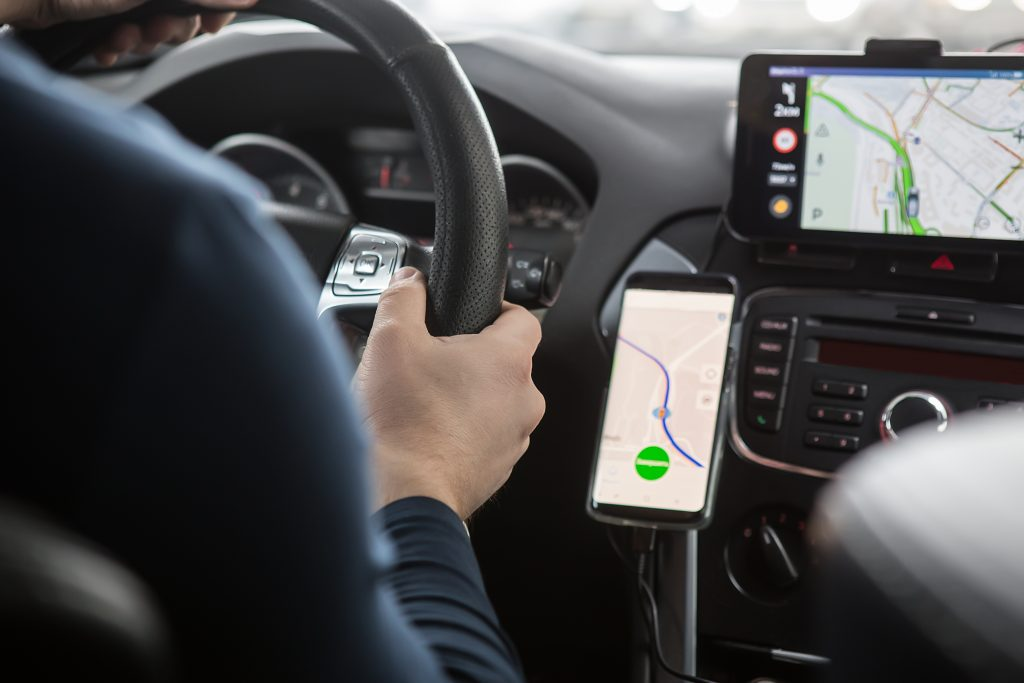 Top Rated GPS Apps and Standalone Devices for Your Vehicle