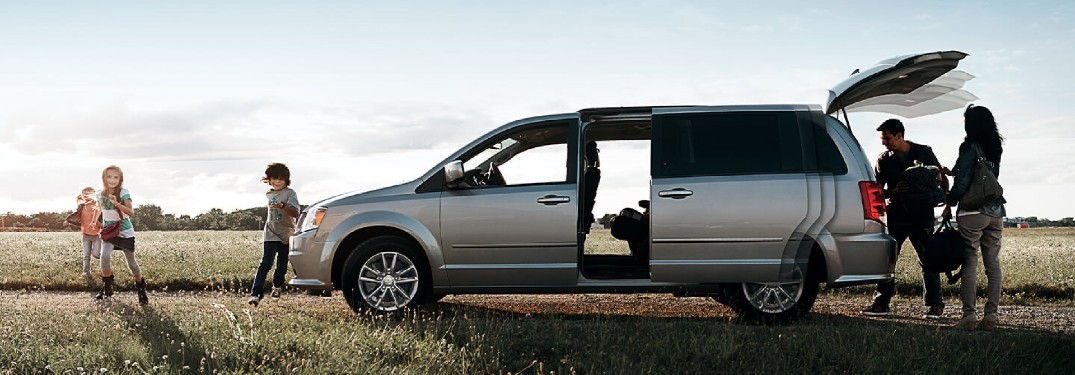 Differences Between SUVs and Minivans